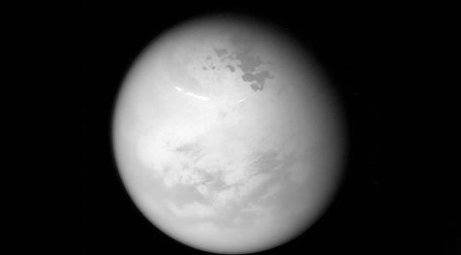 Satürn'ün uydusu Titan'dan önemli görüntüler