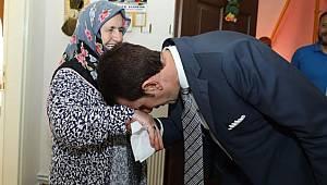 Başkan Tok, hacıları evlerinde ziyaret etti