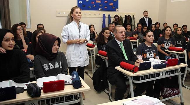 Cumhurbaşkanı Erdoğan öğrencilerle