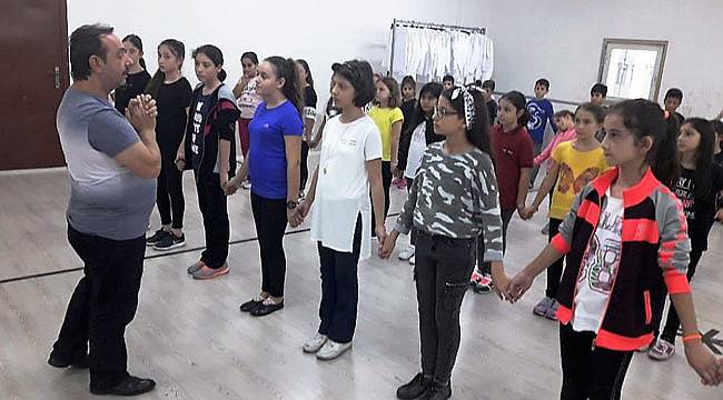 Halk oyunları kursları başladı