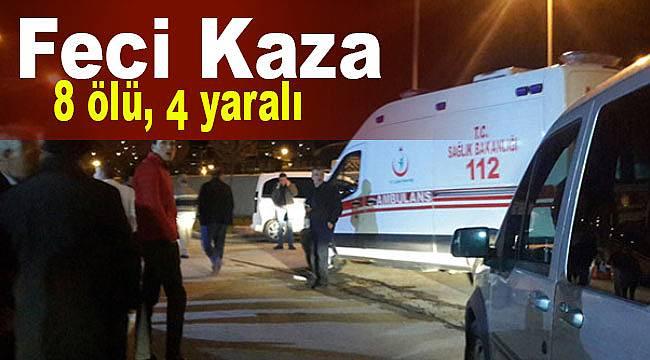 Bayburt iki araç çukura düştü 8 ölü