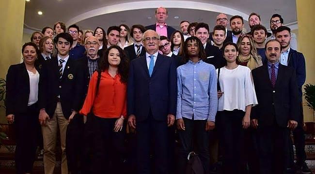 Eğitime yapılan yatırım Türkiye'nin aydınlık geleceği için