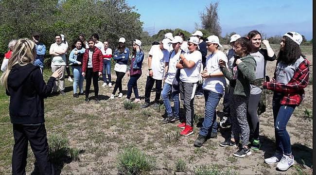 Deltada öğrencilere eğitim
