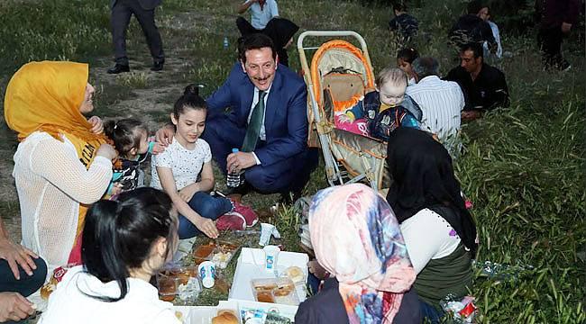 Piknik havasında iftar