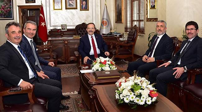 Rektör, Başkan Şahin'i ziyaret etti