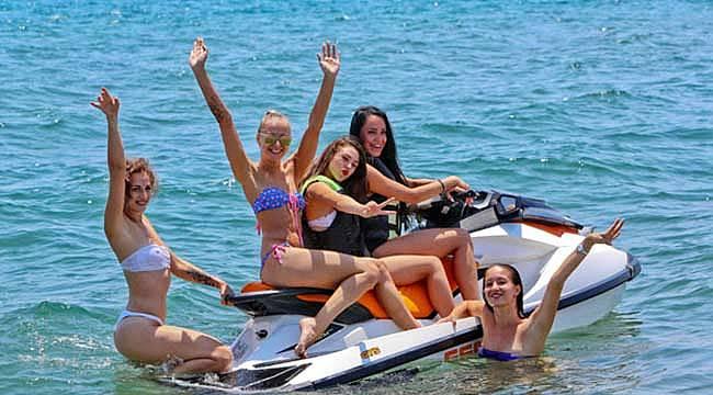 Tatilciler Antalya'ya akın etti rekor kırıldı