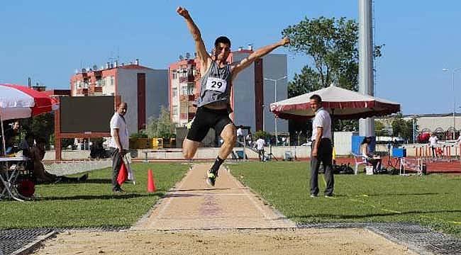 Atletizm yarışları sürüyor