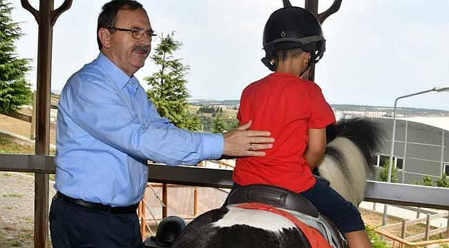 Başkan Şahin, küçük misafirleri ağırladı