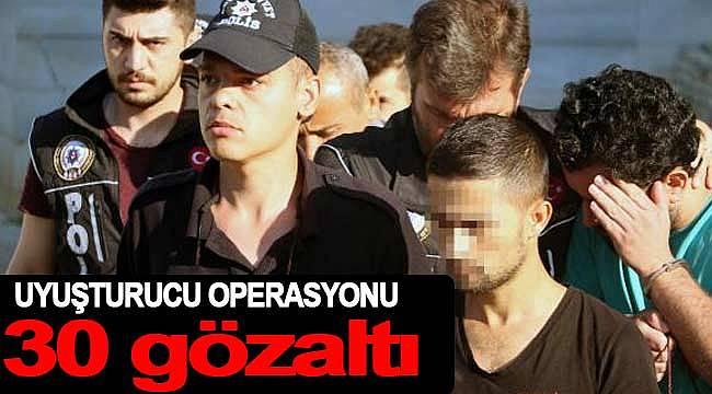 Sokak satıcılarına operasyon 30 gözaltı