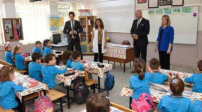 Başkan Togar, ilk okul gününde