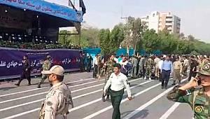 İran'da askeri geçitte sadırı
