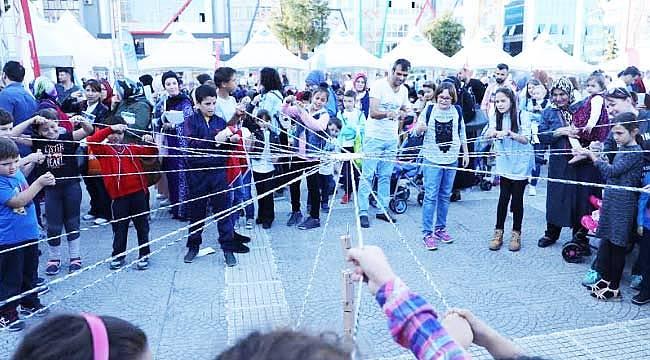 Bilim festivaline yoğun ilgi
