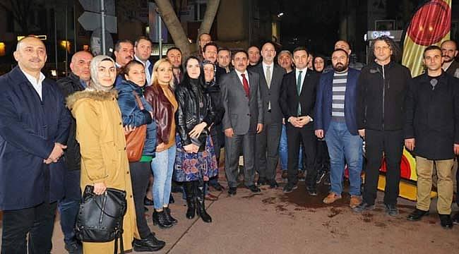 AK Parti sahada ziyaretler sürüyor