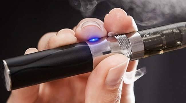 Elektronik sigara tehlikesi artarken likit içerisindeki maddeler merak konusu oldu