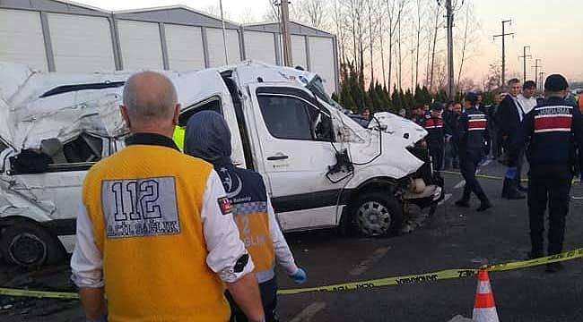 Samsun'da öğrenci servisi kaza yaptı bir çocuk öldü 12 yaralı