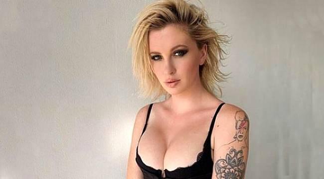 Model Ireland Baldwin büyük göğüslerinden şikayet etti