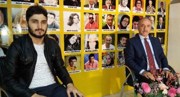 Malatyalı Mustafa O SES'de Murat Boz'un Takımında