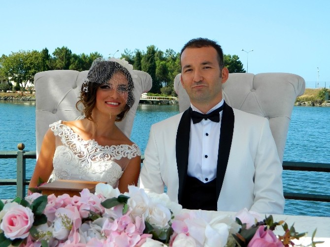 Milli Buz Hokey Oyuncusu Sinem Doğu, evlendi